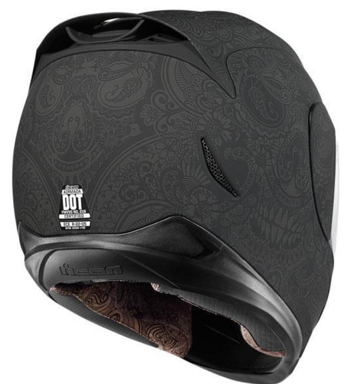 クラブスタイルのおすすめヘルメットはアイコン